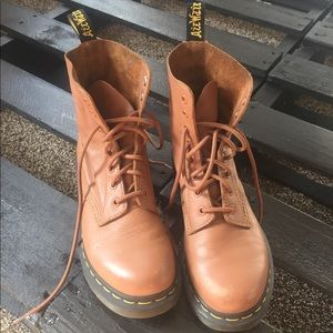 Tan Dr Martens hardly worn!